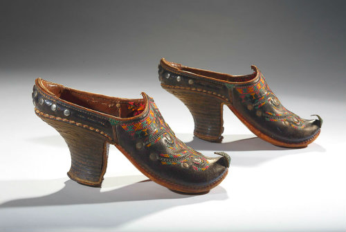 Uzbek Women Shoes
