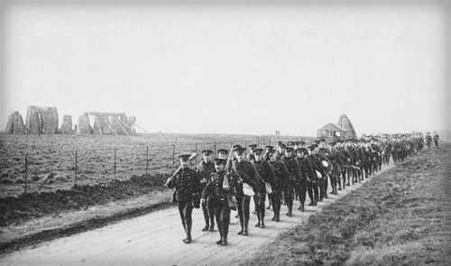 10th Battalion, CEF Marches At Stonehenge,1914-15. Library of Canada.