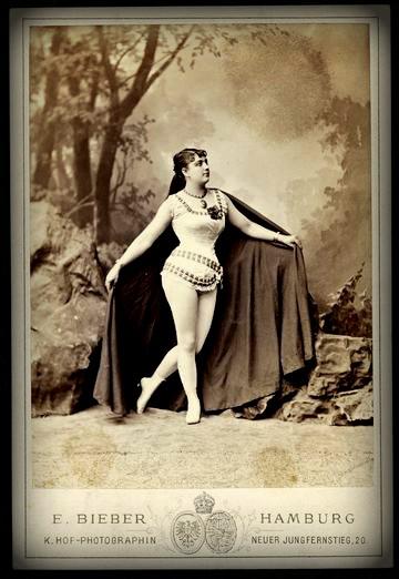 Leona Dare, 1879 by Bieber, Hamburg. Image: German National Museum, digiporta.net.