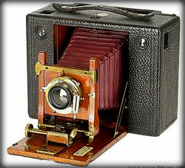 Eastman Kodak Cartridge, 1897. Image: http://collectiblend.com.