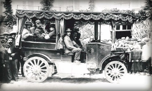 First Car Race, J.Scotte, Steam, Did Not Finish. Image: VanderbiltCupRaces; Helck Family Archives.
